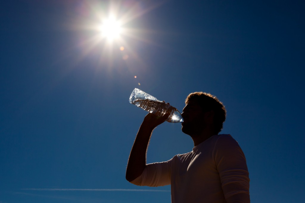 Stay Hydrated When Moving in Hot Weather